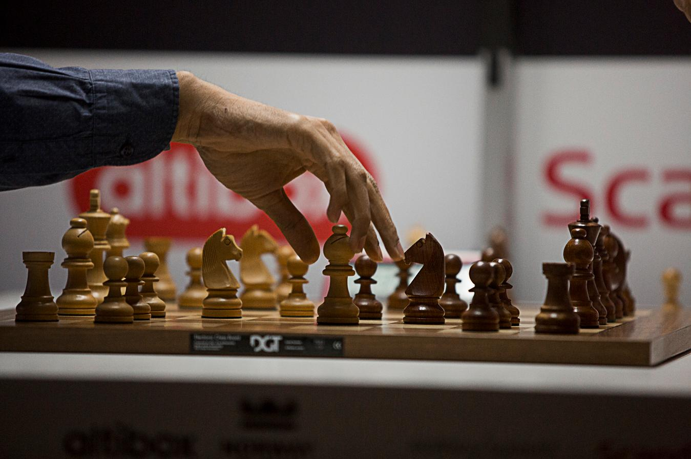 Norway Chess 2016 Hand